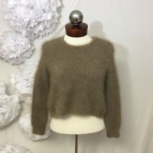 •  100% Ferret Fur sweater rear zip 42 10 M